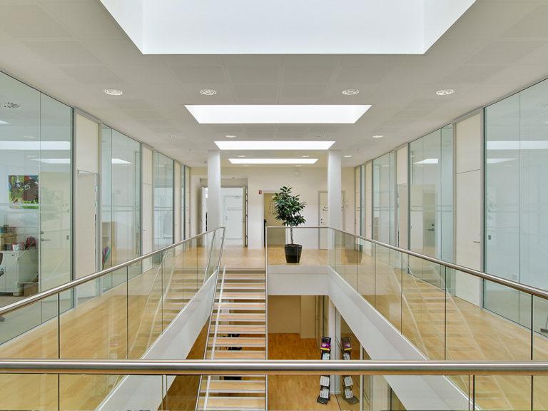 hallway_1200x900