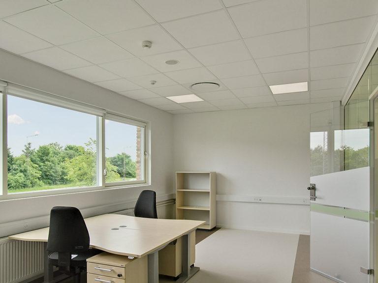 office_1200x900